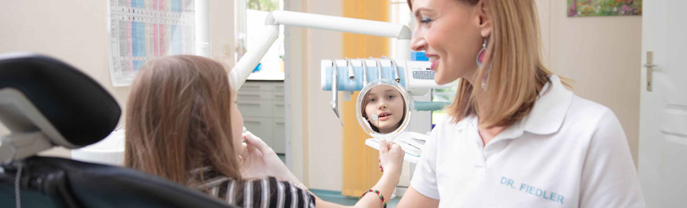 Kind Mädchen header in Behandlung
